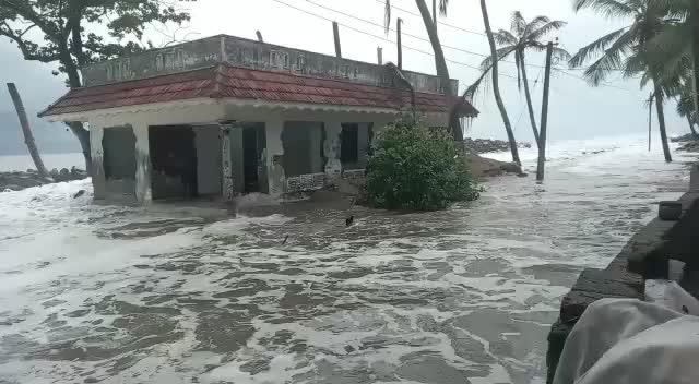 #cyclone #tufaan @moj